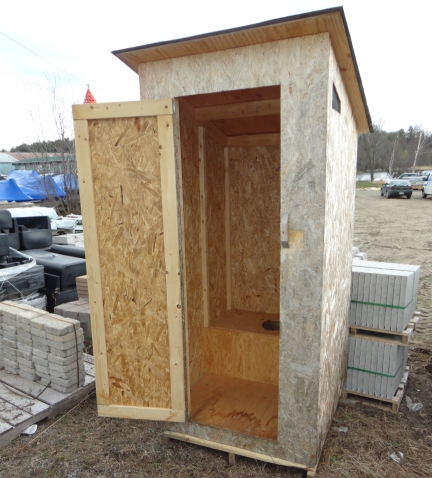 Me Creas: More Outhouse storage shed plans
